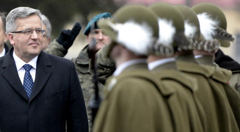 Prezydent RP Bronisław Komorowski, podczas wizyty w 21. Brygadzie Strzelców Podhalańskich w Rzeszowie /Darek Delamanowicz /PAP