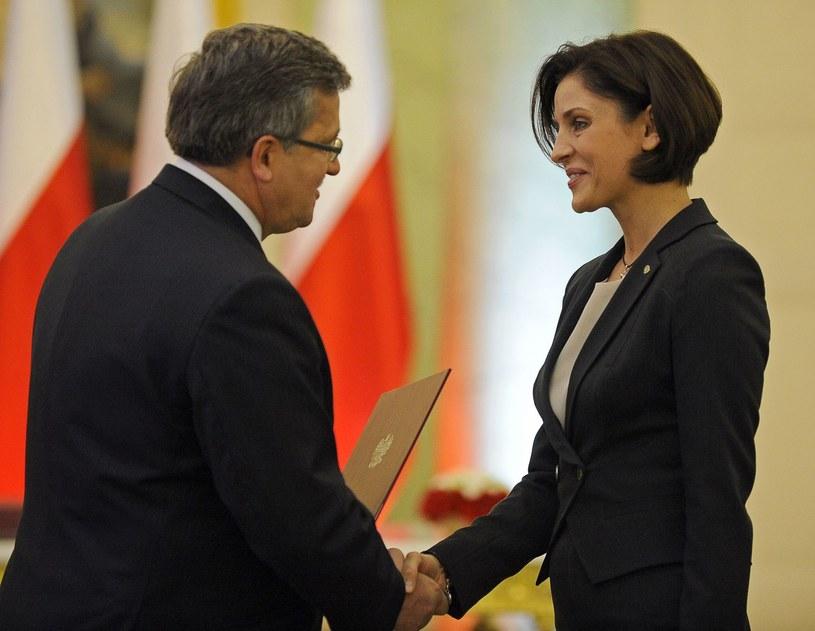 Prezydent RP Bronisław Komorowski popiera starania Polski o organizację zimowych igrzysk, a minister Joanna Mucha zostawia hokej na lodzie. /AFP
