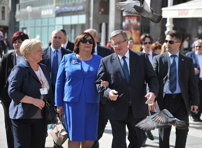 Prezydent RP Bronisław Komorowski  z żoną Anną w Zagrzebiu /Jacek Turczyk /PAP