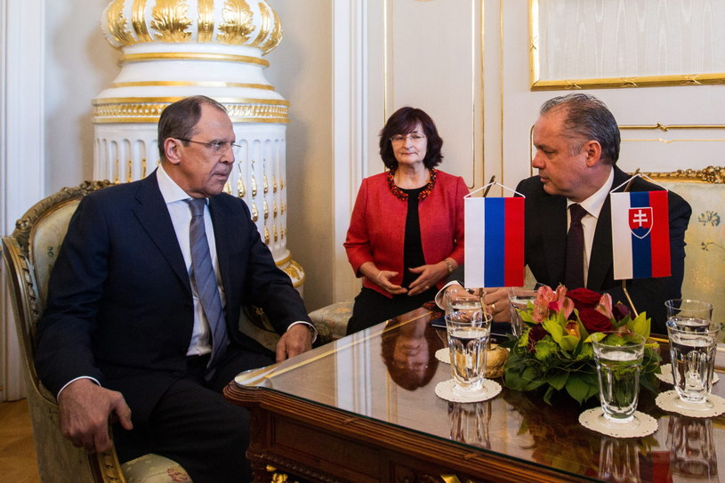 Prezydent Słowacji Andrej Kiska i szef MSZ Rosji Siergiej Ławrow /PAP/EPA