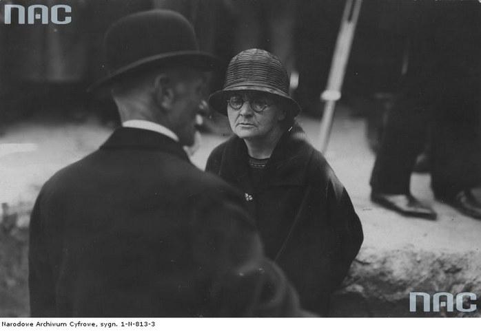 Prezydent Stanisław Wojciechowski i Maria Skłodowska-Curie podczas poświęcenia kamienia węgielnego pod Instytut Radowy (7 czerwca 1925 r.) /Z archiwum Narodowego Archiwum Cyfrowego