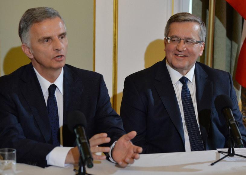 Prezydent Szwajcarii Didier Burkhalter oraz prezydent Bronisław Komorowski /Radek Pietruszka /PAP