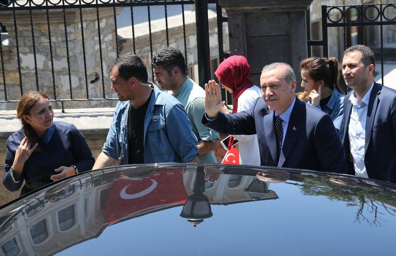 Prezydent Turcji po powrocie do Stambułu /Getty Images