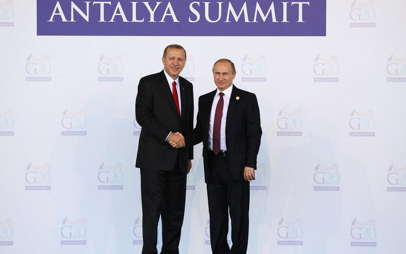 Prezydent Turcji Recep Tayyip Erdogan i Władimir Putin, prezydent Rosji /CEM OKSUZ / POOL / AFP /AFP