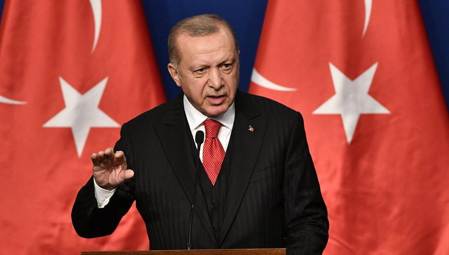 Prezydent Turcji Recep Tayyip Erdogan /ZSOLT SZIGETVARY    /PAP/EPA