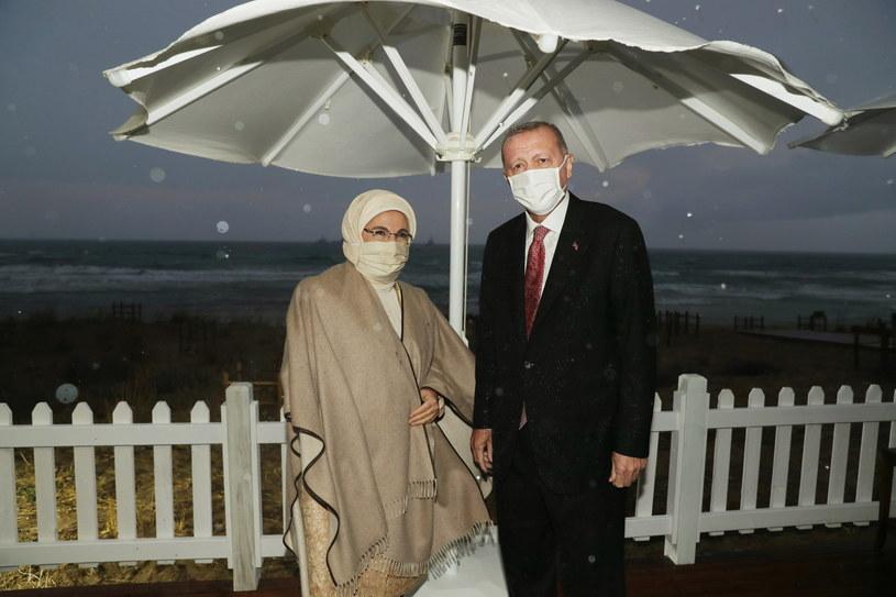 """Prezydent Turcji z żoną w """"mieście duchów"""" /TURKISH PRESIDENTAL PRESS OFFICE / HANDOUT /PAP/EPA"""