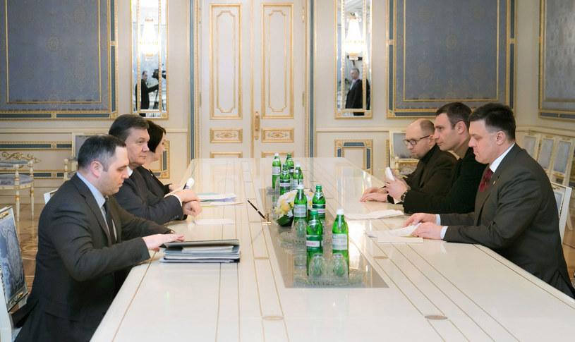 Prezydent Ukrainy Wiktor Janukowycz spotkał się z opozycją. /ANDRIY MOSIENKO /PAP