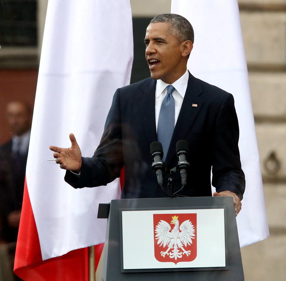 Prezydent USA Barack Obama przemawia na pl. Zamkowym w Warszawie /Tomasz Gzell /PAP