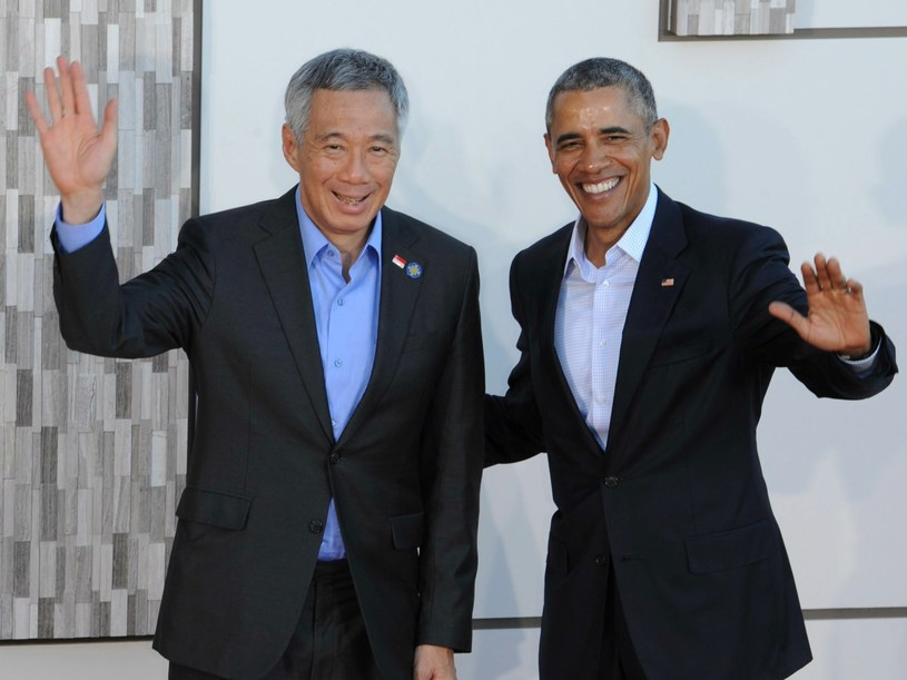 Prezydent USA Barack Obama z premierem Singapuru Lee Hsien Loong podczas szczytu USA-ASEAN w Kalifornii /EPA/NED REDWAY /PAP/EPA