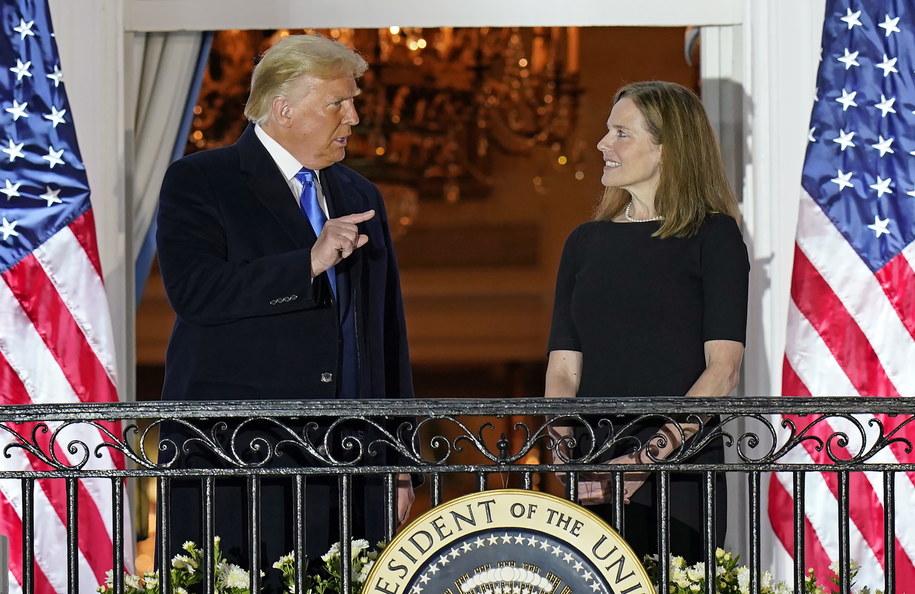 Prezydent USA Donald Trump i Amy Coney Barrett /CHRIS KLEPONIS /PAP/EPA