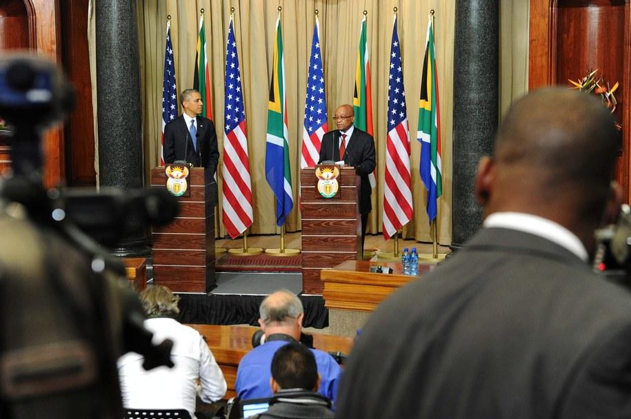 Prezydent USA spotkał się w Johannesburgu z rodziną byłego prezydenta RPA Nelsona Mandeli /SIYABULELA DUDA /PAP/EPA