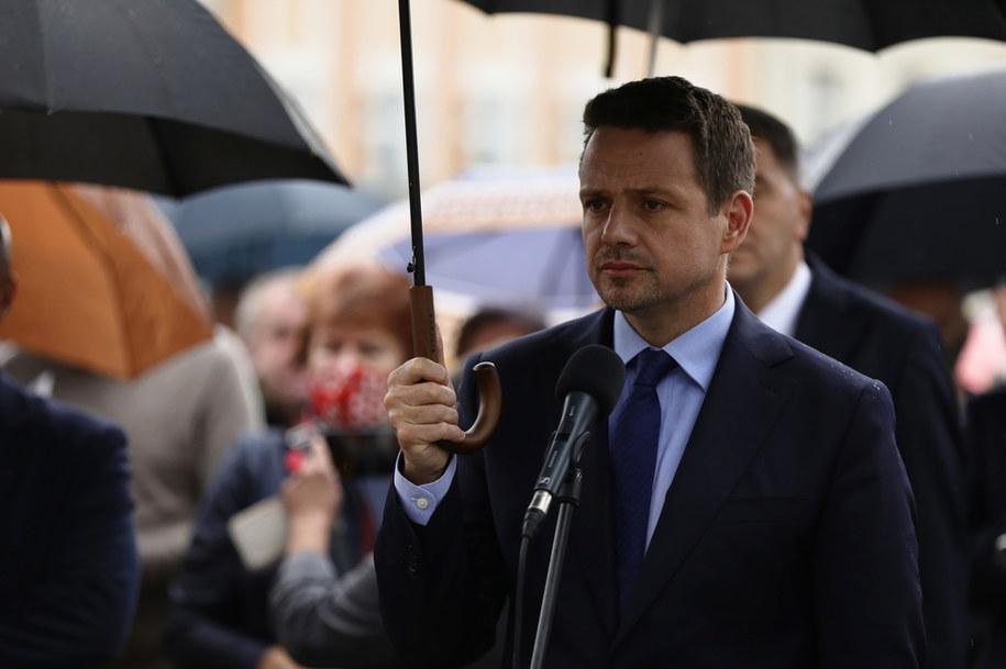 Prezydent Warszawy, kandydat na prezydenta RP Rafał Trzaskowski podczas briefingu prasowego /Art Service /PAP