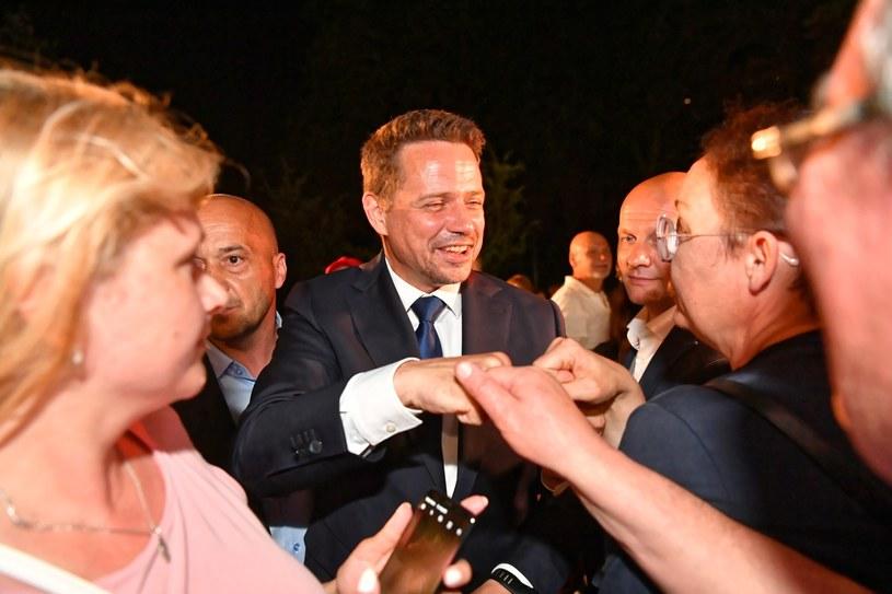 Prezydent Warszawy, kandydat w wyborach prezydenckich Rafał Trzaskowski (C) /Piotr Nowak /PAP