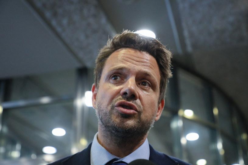 Prezydent Warszawy Rafał Trzaskowski spotkał się z unijną komisarz ds. spójności i reform Elisą Ferreirą /Jakub Kamiński   /East News