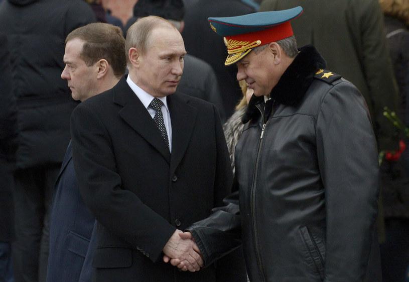 Prezydent Władimir Putin i minister obrony Siergiej Szojgu /AFP