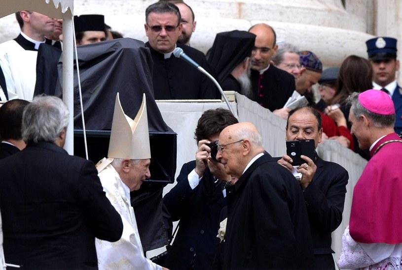 Prezydent Włoch Giorgio Napolitano i papież Benedykt XVI. /MAURIZIO BRAMBATTI