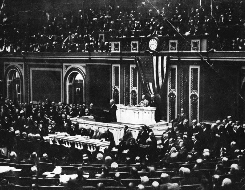 Prezydent Woodrow Wilson przemawia w Kongresie Stanów Zjednoczonych /Hulton Archive /Getty Images