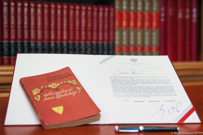 """Prezydent zachęca do wspólnej lektury """"Moralności pani Dulskiej"""" podczas Narodowego Czytania /Kancelaria Prezydenta /"""