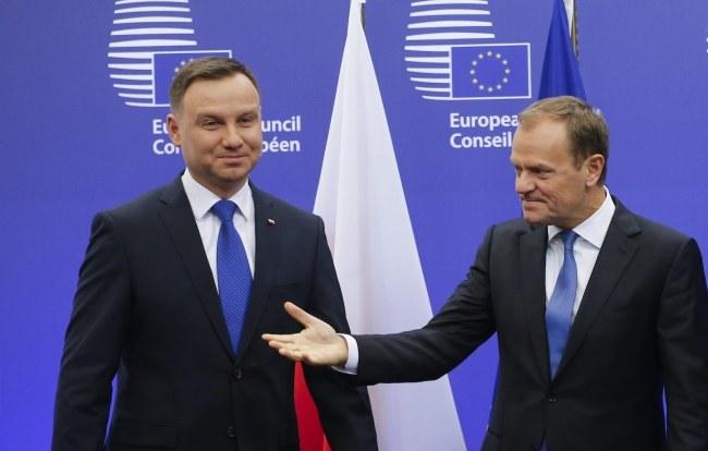 Prezydenta Andrzej Duda spotkał się w Brukseli z przewodniczącym Rady Europejskiej Donaldem Tuskiem /OLIVIER HOSLET /PAP/EPA