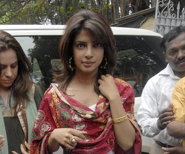 Priyanka Chopra Jonas apeluje o pomoc dla Indii