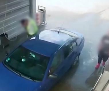 Próbę zuchwałej kradzieży auta zarejestrował monitoring