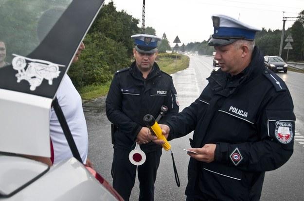 Problem pijaństwa na naszych drogach istnieje, o czym świadczą choćby policyjne statystyki po ostatnim zaduszkowym weekendzie /Fot. Tymon Markowski /East News
