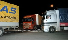 0007M8BECG7P0VD8-C307 Problem z oświetleniem samochodów ciężarówych