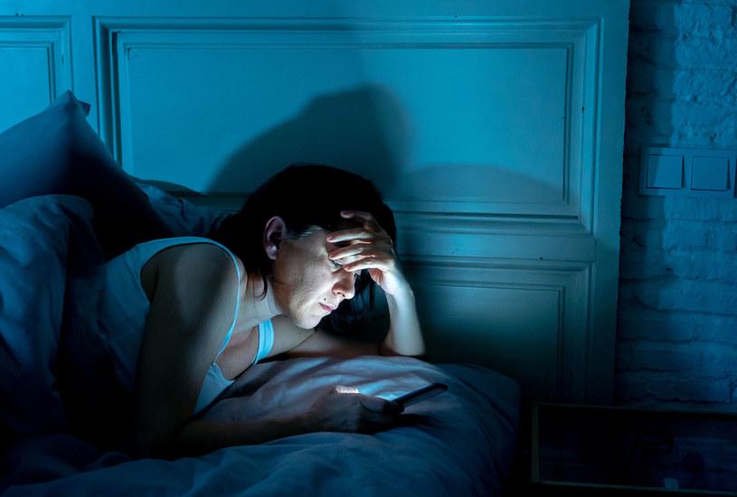 Problem z zasypianiem to coraz częstsza dolegliwość /123RF/PICSEL