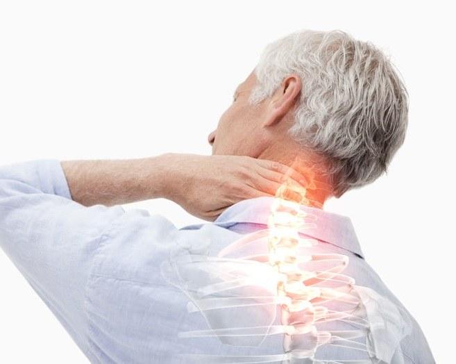 Problemy z kręgosłupem /©123RF/PICSEL