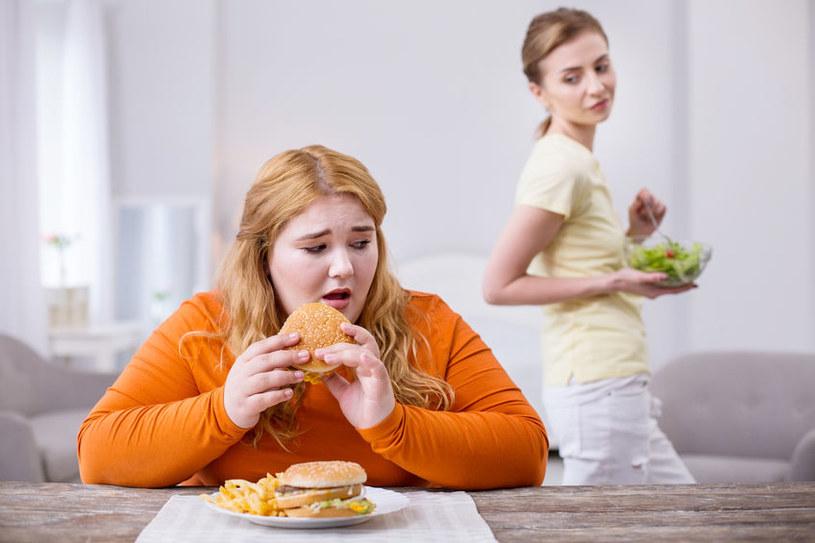 Problemy z odżywianiem dotykają coraz więszej liczby osób /123RF/PICSEL
