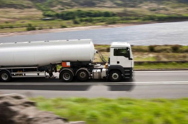 Problemy z otrzymywaniem niezbędnych dokumentów dla kierowców odejdą do przeszłości? /123RF/PICSEL