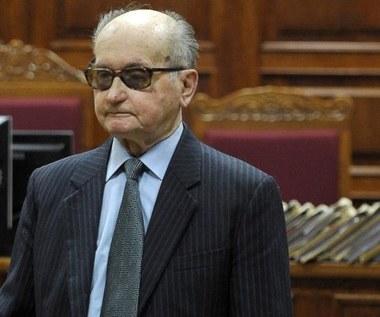 Proces Jaruzelskiego za stan wojenny - zawieszony