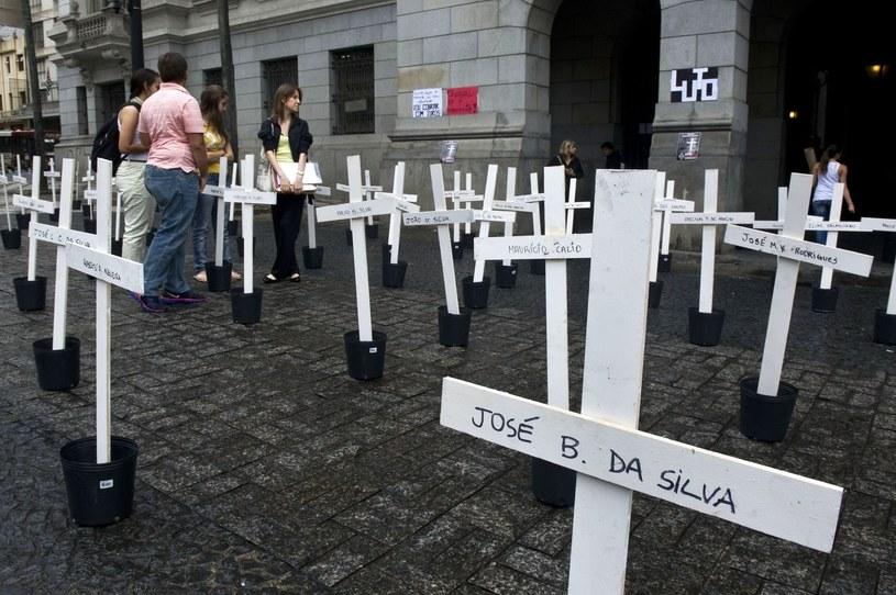 Proces policjantów-morderców rozpoczął się dopiero w 2013 roku /AFP
