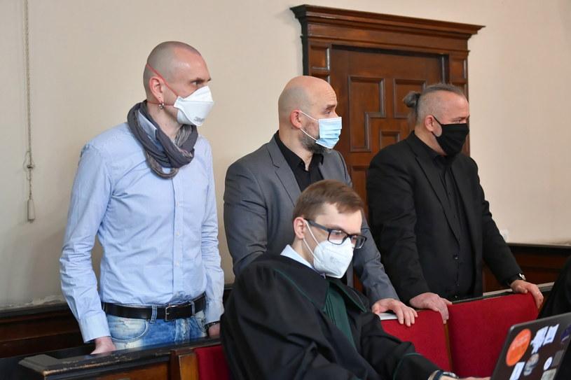 Proces trzech mieszkańców Warszawy - Michała Wojcieszczuka, Rafała Suszka i Konrada Korzeniowskiego (zgodzili się na podanie danych osobowych) - rozpoczął się w poniedziałek. / Adam Warżawa    /PAP