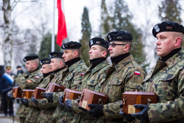 Ceremonia złożenia prochów siedmiu Powstańców Wielkopolskich