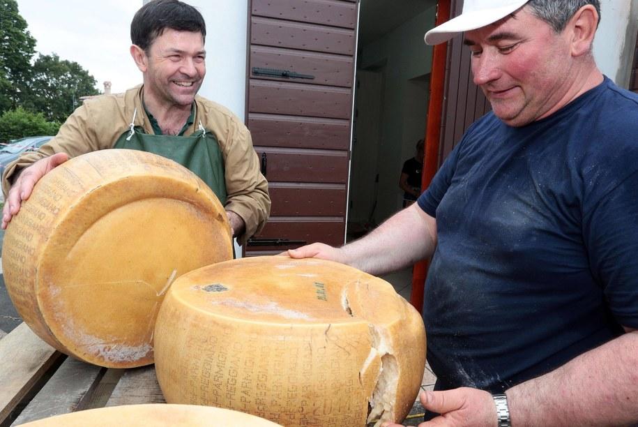 Producenci sera  Grana Padano /ELISABETTA BARACCHI /PAP/EPA
