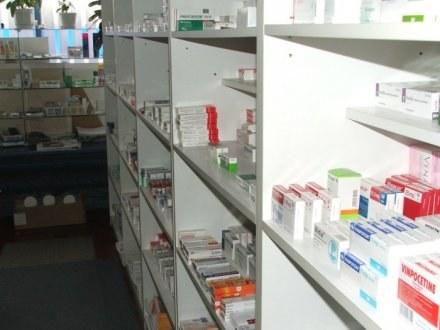 Producent lakcidu wycofuje ze sprzedaży serię leku /RMF