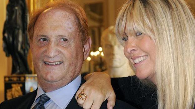 Producent Mike Medavoy z żoną Irena Ferris /AFP