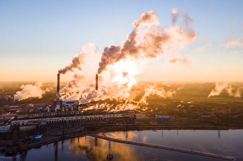 """""""Produkcja energii z węgla musi spaść o 80 procent"""" /123RF/PICSEL"""