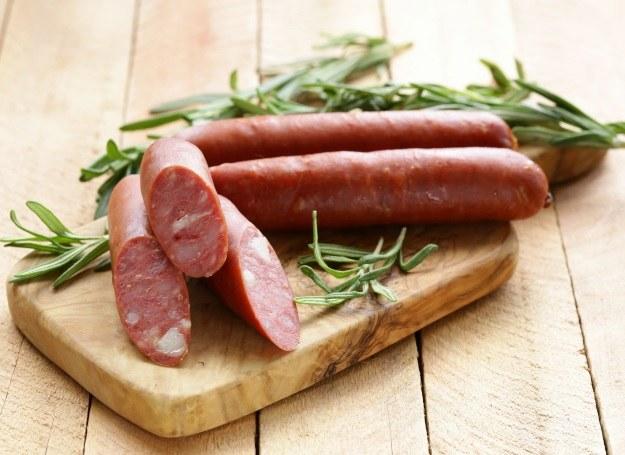 Produkty bogate w niezdrowe tłuszcze mogą być odpowiedzialne za bezsenność! /123RF/PICSEL