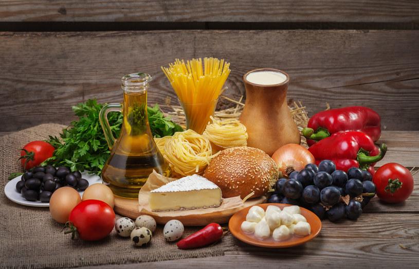 Produkty zbożowe, nabiał, owoce, warzywa takie jak ziemniaki, marchew, dynia, buraki, strącz-kowe i wszystkie inne z cukrem w składzie – powinnaś ograniczyć ich spożycie /123RF/PICSEL