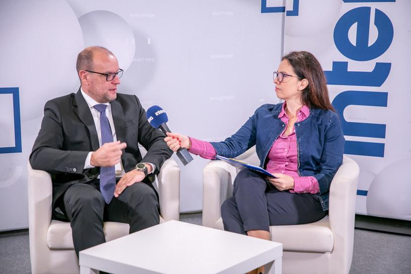 prof. Adam Mariański, przewodniczący Krajowej Rady Doradców Podatkowych w studiu Interii /Fot. Ireneusz Rek /INTERIA.PL