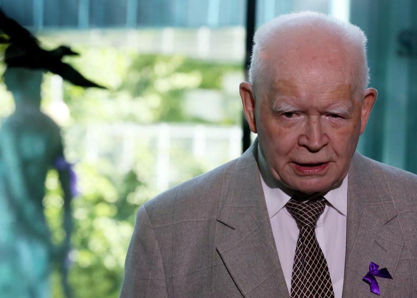 Prof. Adam Strzembosz podczas wystąpienia z okazji Dnia Wymiaru Sprawiedliwości /Tomasz Gzell /PAP