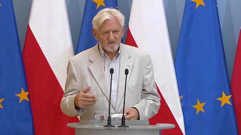 Prof. Andrzej Horban podczas konferencji prasowej /Screen z Polsat News /Polsat News