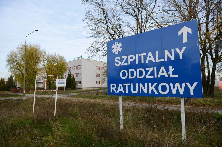 Prof. Gut: W tym momencie epidemia nie rośnie; gdy zadziała druga partia obostrzeń, będzie spadać /Jakub Kaczmarczyk /PAP