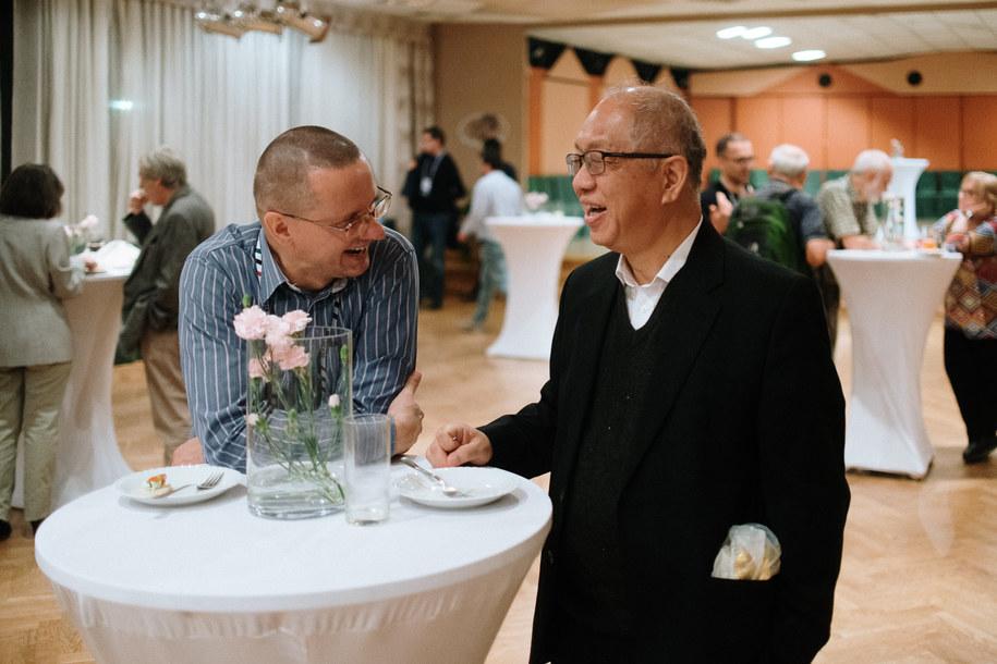 Prof. Shing-Tung Yau wraz z organizatorem konferencji DEA2019, prof. Krzysztofem Cieplińskim /Piotr Słopnicki /Materiały prasowe