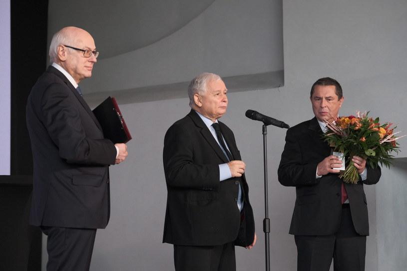 Prof. Zdzisław Krasnodębski, laureat wyróżnienia Bronisław Wildstein oraz prezes PiS, wicepremier Jarosław Kaczyński. /Mateusz Marek /PAP