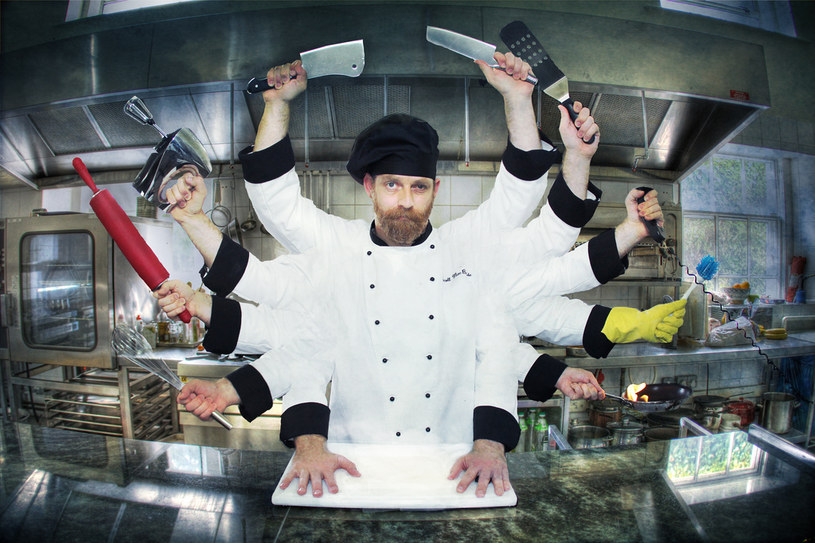 profesjonalista w kuchni /© Photogenica