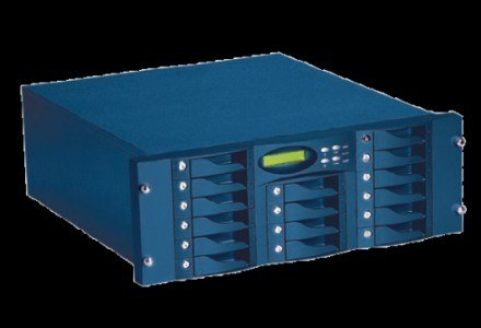 Profesjonalne systemy RAID to skrzyneczki z miejscem na wiele dysków twardych /CD Action