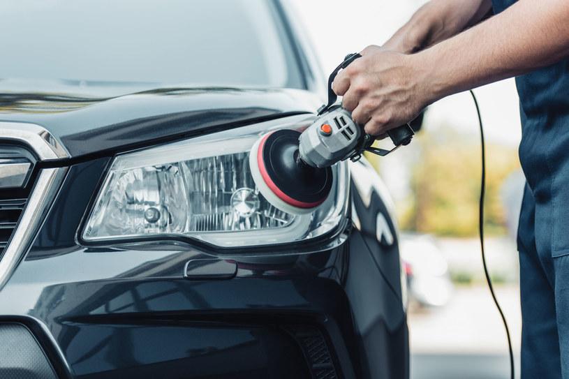 Profesjonalnie wykonany detailing może sprawić, że nasz samochód sprzeda się za wyższą cenę /123RF/PICSEL
